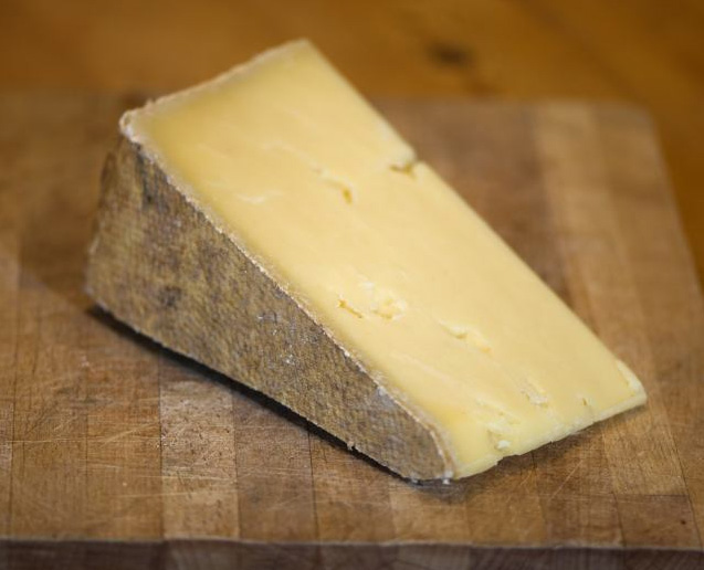 Cut Lincolnshire Poacher Cheese